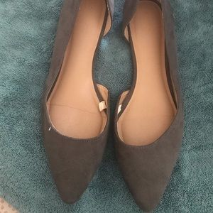 Women's Size 11 Gray Suede Flats
